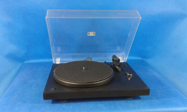 Gramofon PRO-JECT Debut 2,ceniony model