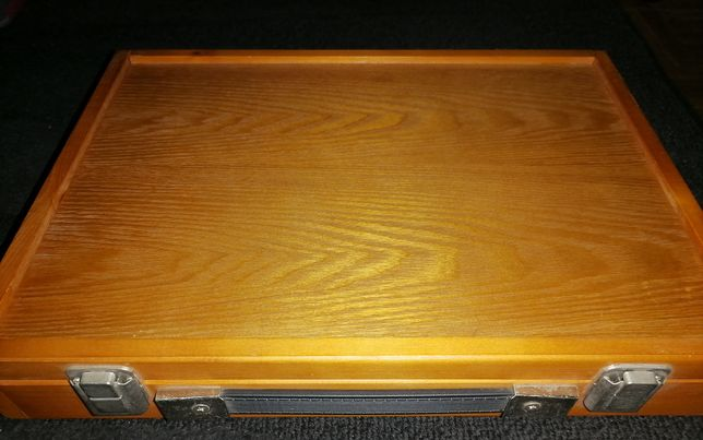 Caixa/Mala para material de pintura a óleo