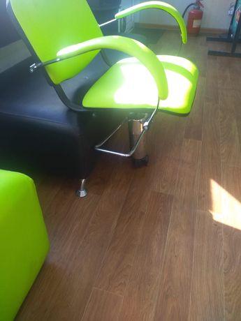 Кресло в  парикмахерскую