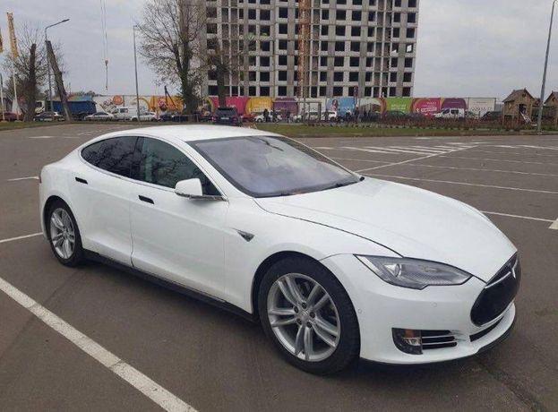 Tesla s 75 2015 года