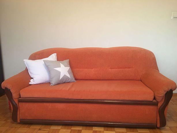 Sprzedam meble, stół, krzesła, 2 sofy  i dywan