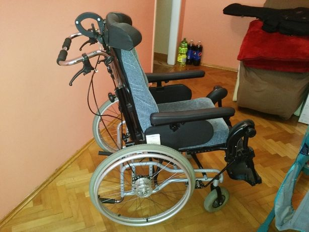 Wozek inwalidzki multipozycyjny