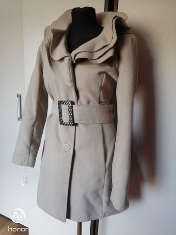 Elegancki płaszcz rozmiar 40 zapinana na guziki+pasek