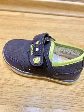 Взуття Clibee