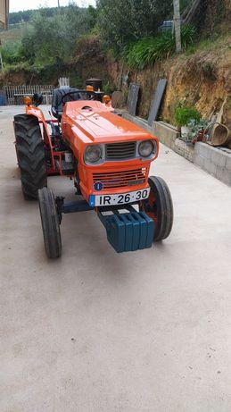 Trator Kubota l295 RESTAURADO!! Com caixa reforçada