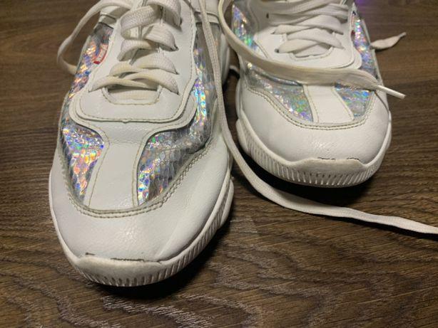 Кросовки белые подростковые женские 34 размер