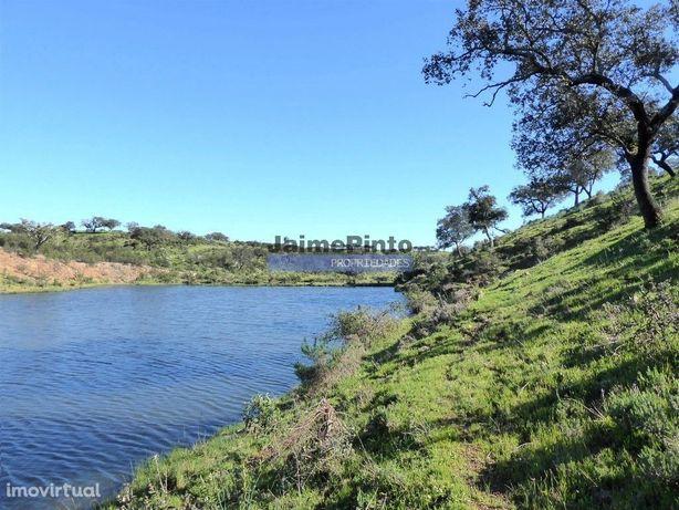 360ha Herdade próx. lago do Alqueva e praia da Amieira. Portugal, É...