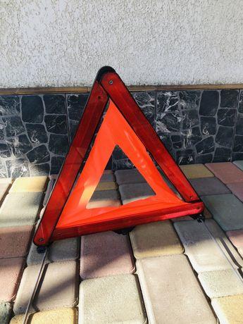 Аварийный треугольник знак BMW (новый)