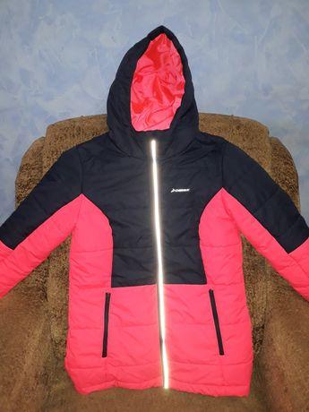 Демисезонная куртка Demix в отличном состоянии