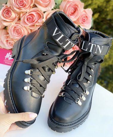 Ботинки сапоги Valentino 36, 37,38,39 размеры в наличии