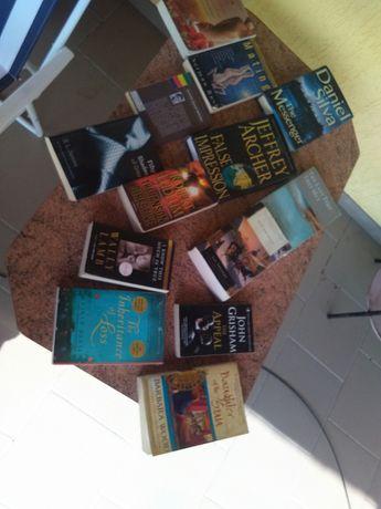 Книги англійською (ціна за 13 штук).