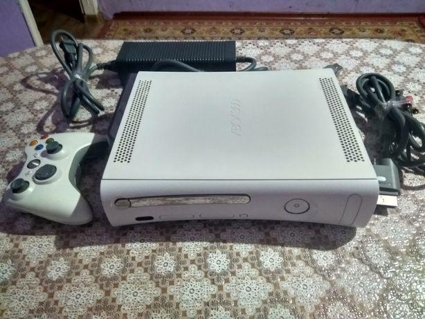 Продам Xbox 360 б/у