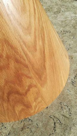Candeeiro de tecto em madeira