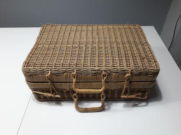 walizka retro wiklina
