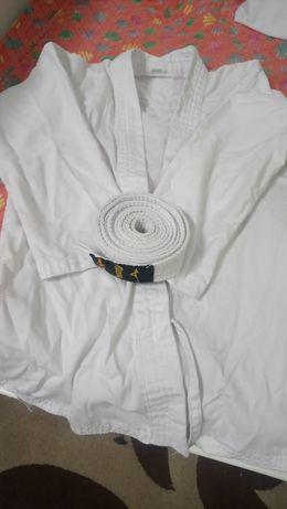Кімано біле із поясом та штанами