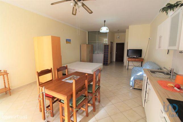 Apartamento - 52 m² - T0