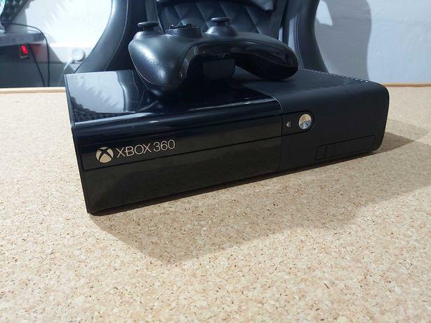 Xbox 360 com comando s/fios