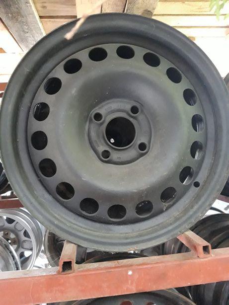 Felgi stalowe Stalówki r15 4x100 otwór 56.6 Opel