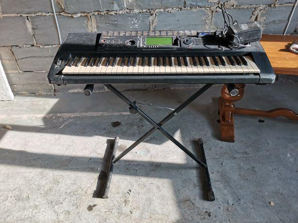 Keyboard yamaha psr 520