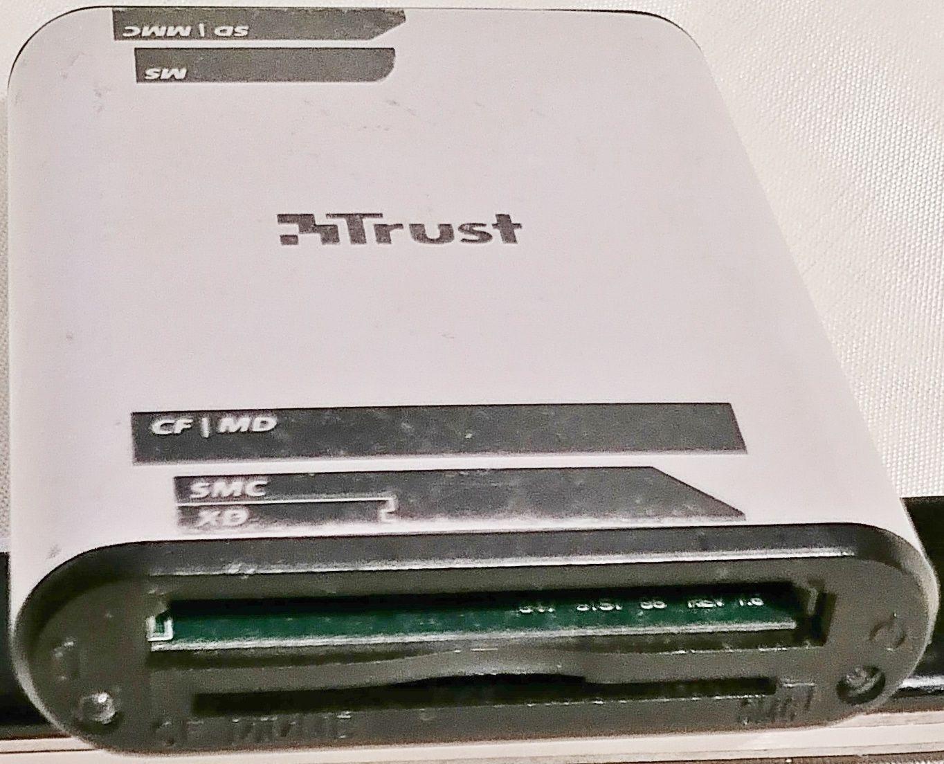 Trust CR-1200 16/1 Leitor de cartões de memória