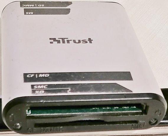 trust cr-1200 16 em 1 leitor de cartões de memória