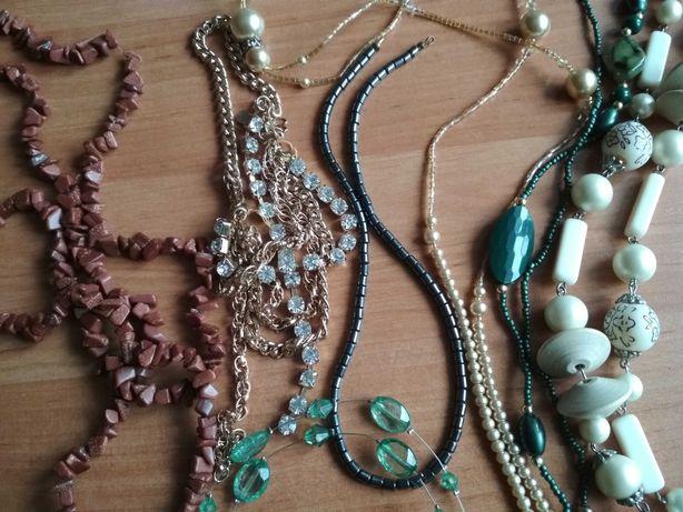 Biżuteria-korale, bransoletki, kolczyki, zegarki, pierścionki