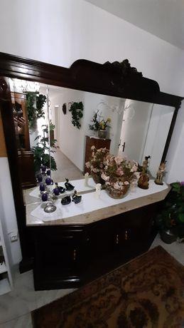 Móvel corredor com espelho