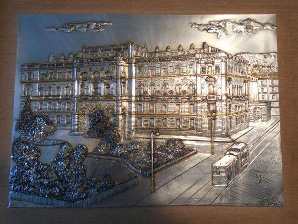 Belo quadro em prata laminada, assinado e com certificado de garantia.