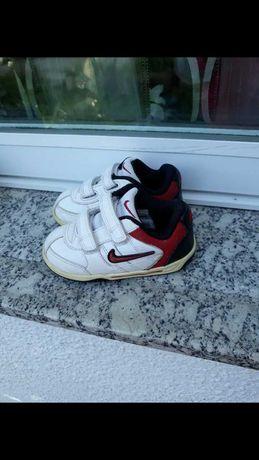 Sapatilha da Nike tamanho 23,5.