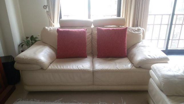Conj. 2 Confortáveis Sofás de 2+3 lugares