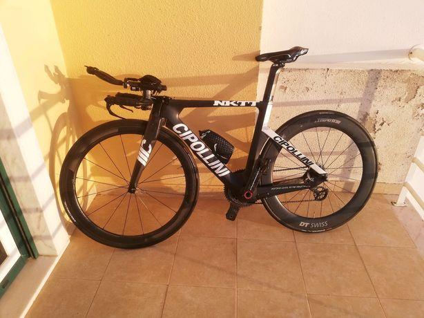 Bicicleta de contrarelogio triatlo Cipollini Nktt
