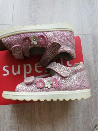 Sandałki Superfit rozmiar 26