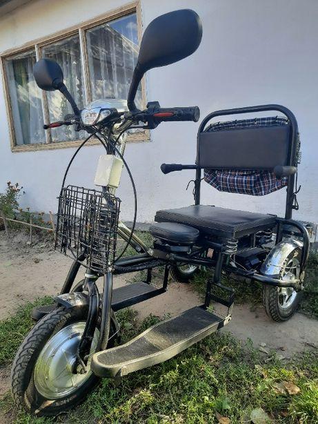 Электроскутер трехколесный для инвалидов и пожилых людей