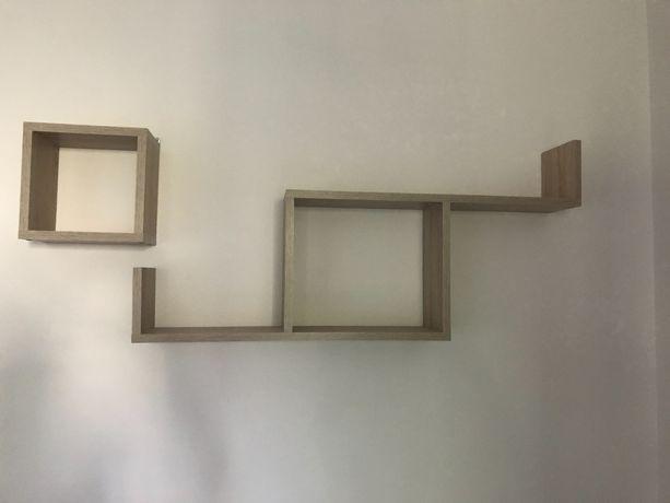 Półka na ścianę w kolorze dąb sonoma