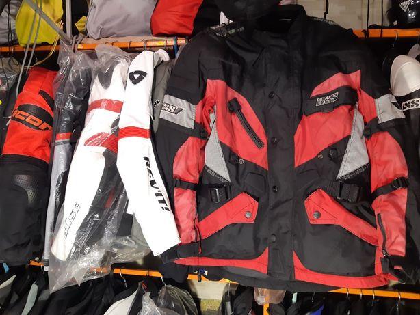 мотокуртка, мотоштаны, мотошлем, мотоперчатки, мотоботинки, мотозащита