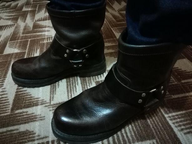 Взуття для справжніх чоловіків!