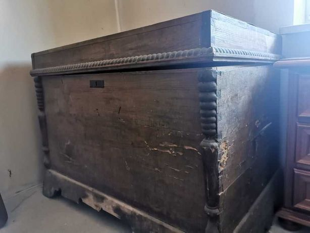 kufer drewniany antyk