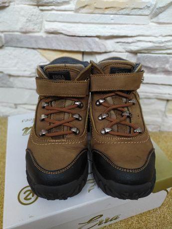 Зимове взуття на хлопця 33розмір