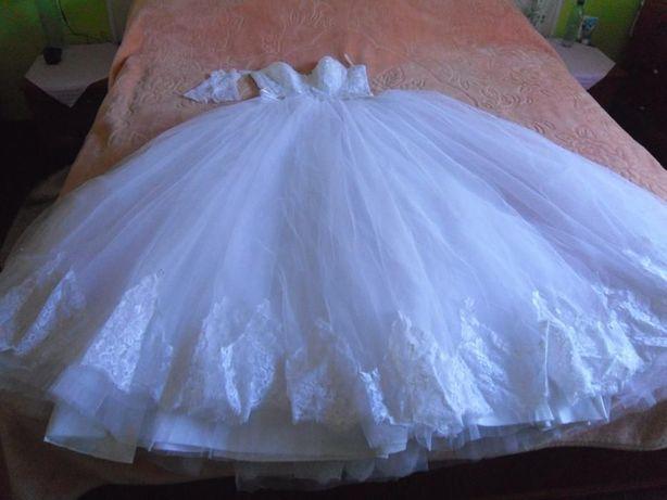весільна сукня жіноча