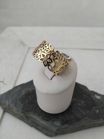 Złoty pierścionek p 585