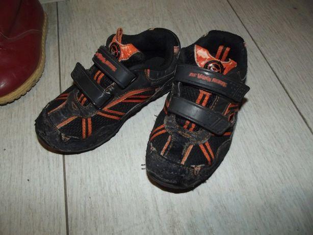 Продам детские кросовки 29 размер.
