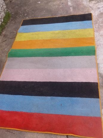 Vende se Carpete As Riscas