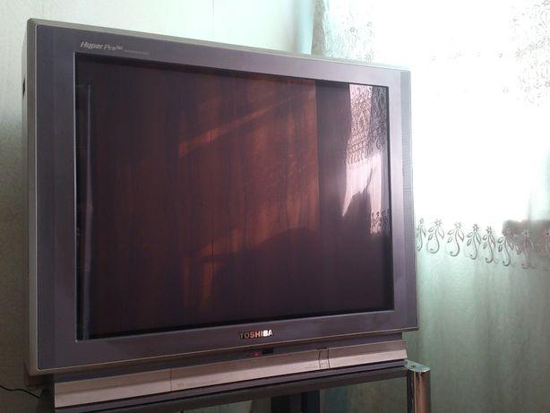 "телевизор ""Toshiba"" диагональ: 34""=86см"