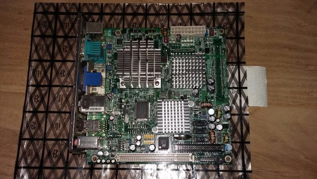 Board + processador Mini-ITX