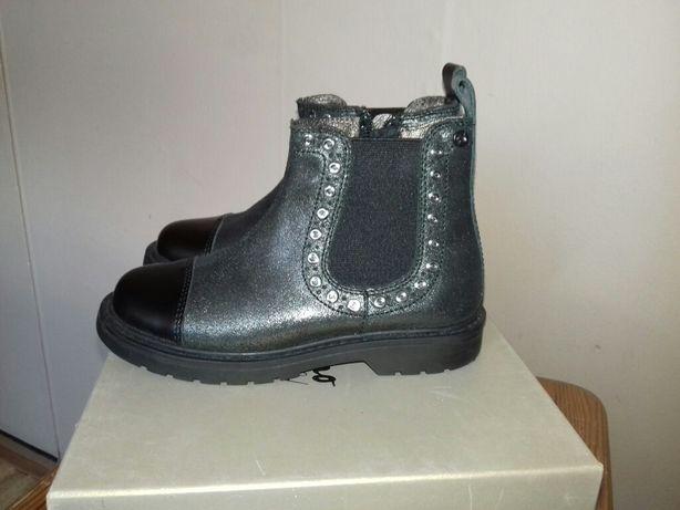 Нове взуття дитяче Naturino 27 розмір