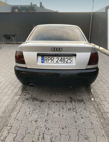 Доброго дня продам Audi a4 движок супер ходова супер салон 8 із 10, лю