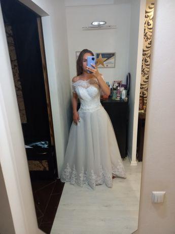Свадебное платье( с примеркой)7 тыс рублей