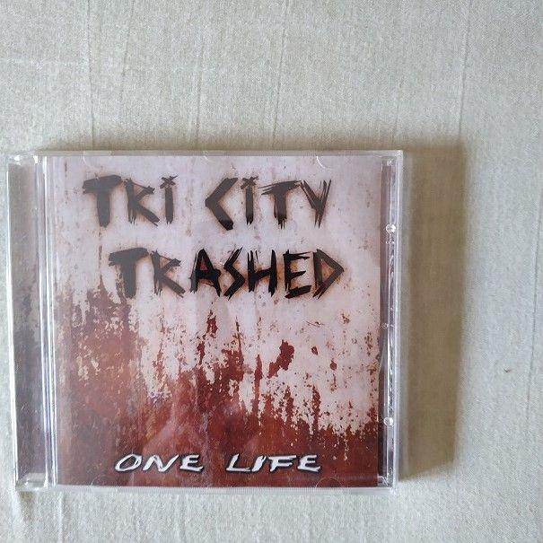 Tri City Trashed -One Life skinhead/oi/street punk Rzeszów - image 1