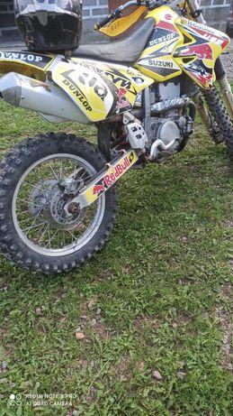 Мотоцикл крос Suzuki