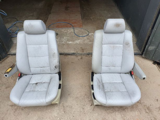 BMW E34 Sedan Fotele *skóra, podłokietniki*
